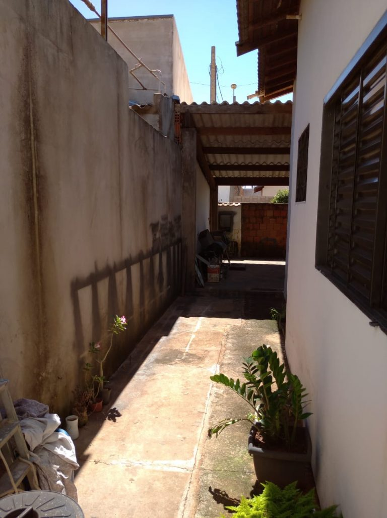 Vende-se Casa – Jardim Barreto